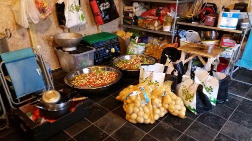 c4 - kitchen calais food